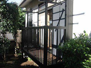 1階のお庭に突き出した、バルコニー。洗濯物干しやお布団干しに最適です。