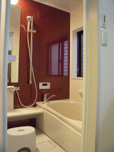 浴室の壁面は、アクセントを効かせました