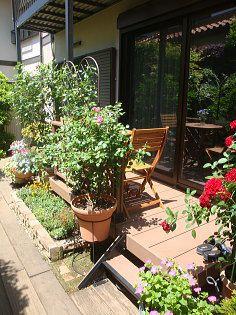 お庭のお花とガーデニングセットがピッタリ